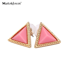 [Marte&Joven] New Fashion Costume Jewellery Two Colors Resin Triangle Stud Earrings Gift For Girl