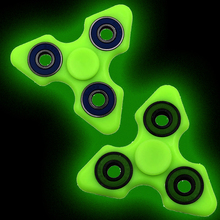 2017 New Light Fidget Fidget ABS Plastic Tri Spinner Glow in Dark tri-spinner Toy For Autism and ADHD Kids 3 Colors Hand spinner