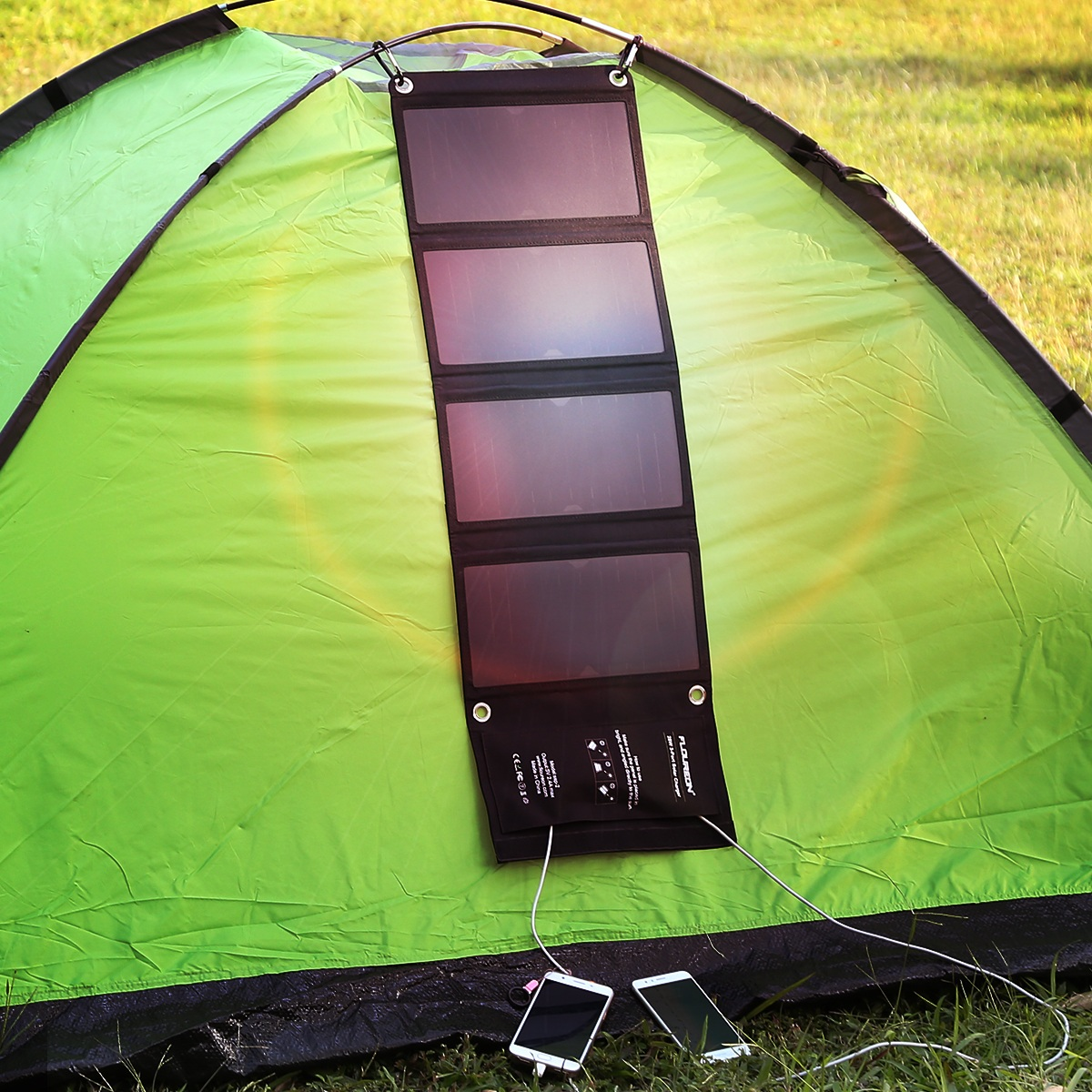 FLOUREON 28W Foldable Waterproof Solar Panel Charger Mobile Power Bank for Smartphones Tablets Triple USB Ports Outdoor 8