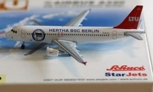 1:500 German Airlines Hertha BSC A320 D-ALTD passenger airplane model(China)
