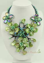 N14032704 green MOP shell crystal FW pearl flower necklace