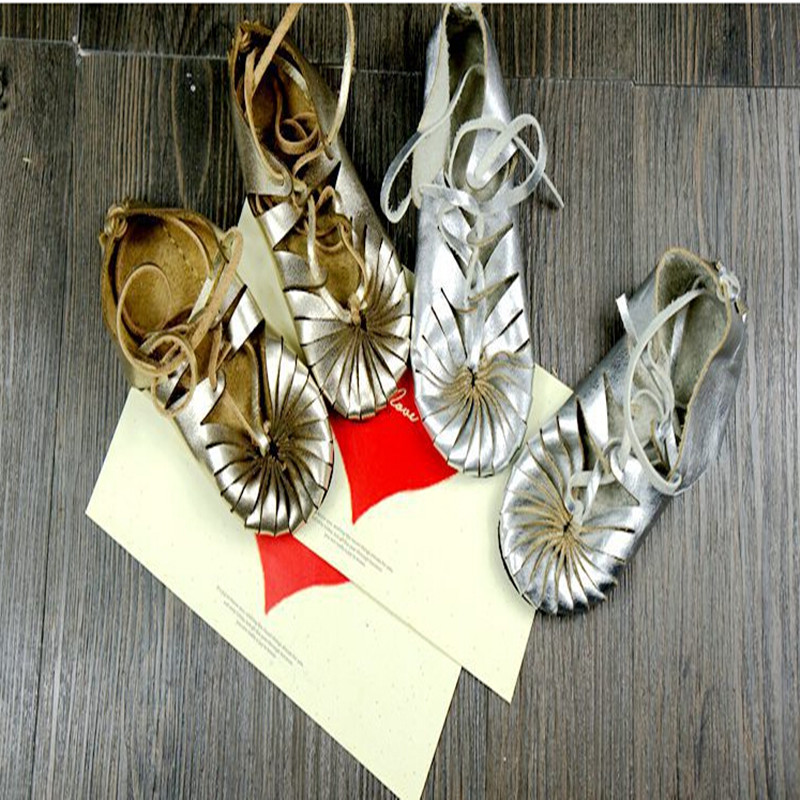2016 summer Childrens sandals shoes girls shoes baby shoes Summer Soft leather strap metallic sandals for children<br>
