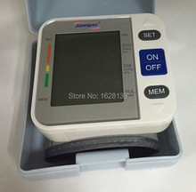 high quality health monitors LCD Digital Wrist Blood Pressure Monitor and portable pressure test gauge to test pressure