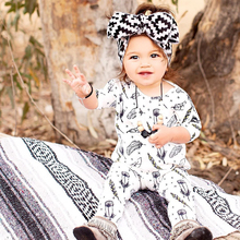 2017 New Lovely Pattern Baby Rompers Baby Girl Long Sleeve Cotton Jumpsuit Infant Boys Girls Winter Clothes Baby One Piece