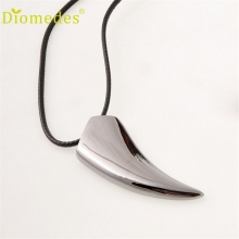 Diomedes Gussy Life wholesale Free Shipping Stainless Steel Wolf Tooth Necklace Pendant Necklaces Jewelry Dec629