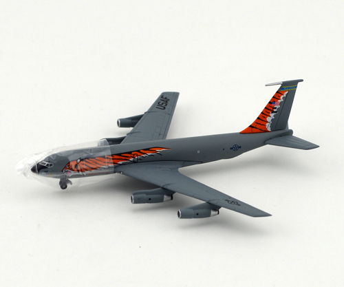 "Dragon 1: 400 56278 KC-135E ""Tiger Meet"" 108th RAW airplane model Favorites Model(China (Mainland))"