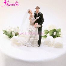 Retail Free Shipping Ceramic Wedding Cake Topper Porcelainous Favor Party Supplier Funny Bride and Bridegroom Cake Topper
