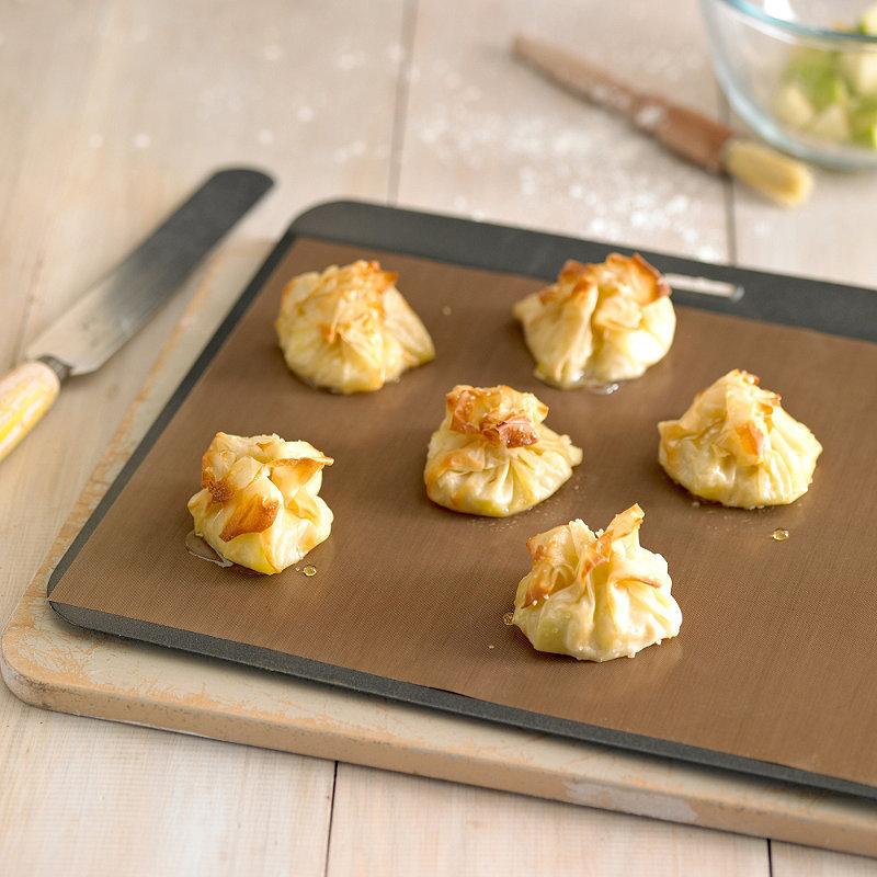 60-40cm-Heat-Resistance-Baking-Tarpaulin-Teflon-Non-stick-Mat-Microwave-Oven-Cooking-Pad-Sheet-Kitchen