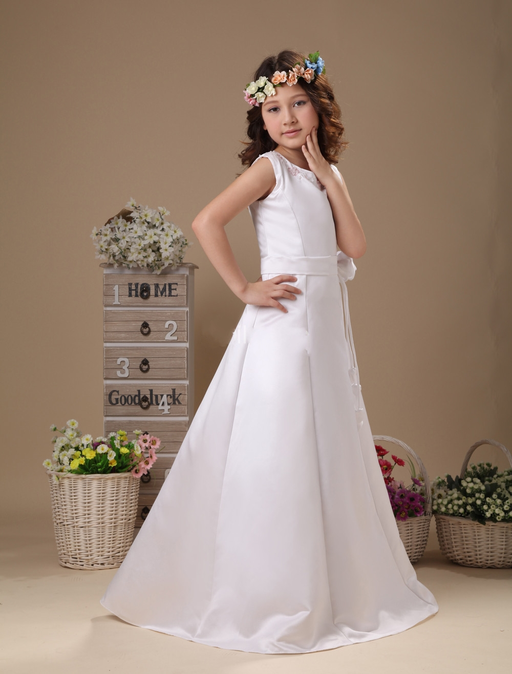 2019 Beautiful Custom Made Simple White Flower Girl Dresses First Communion Dresses Vestido Para Daminha With Sash
