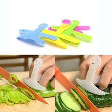 1pcs Finger Guard Kitchen Cooking Tools Gadgets Accessories Plastic Vegetable Fruit Protector Anti Cutter Safety Hands Shredder