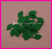 500PCS 1.5cm*2.5cm Green Non-woven Felt Patches Applique for DIY flowers stuff Holly leaves for Christmas Decoration Ornament(China)