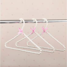 [Free shipping] Top Quality Delicate White Pearl Hanger for Dresses/ Beads Hanger (5 pieces/ Lot)(China)