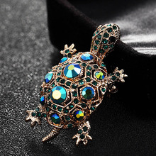 Blucome Green Rhinestone Turtle Brooch Pin Cute Kawaii Vintage Tortoise Brooches Kids Gift Animal Hijab Pins Bags Accessories(China)