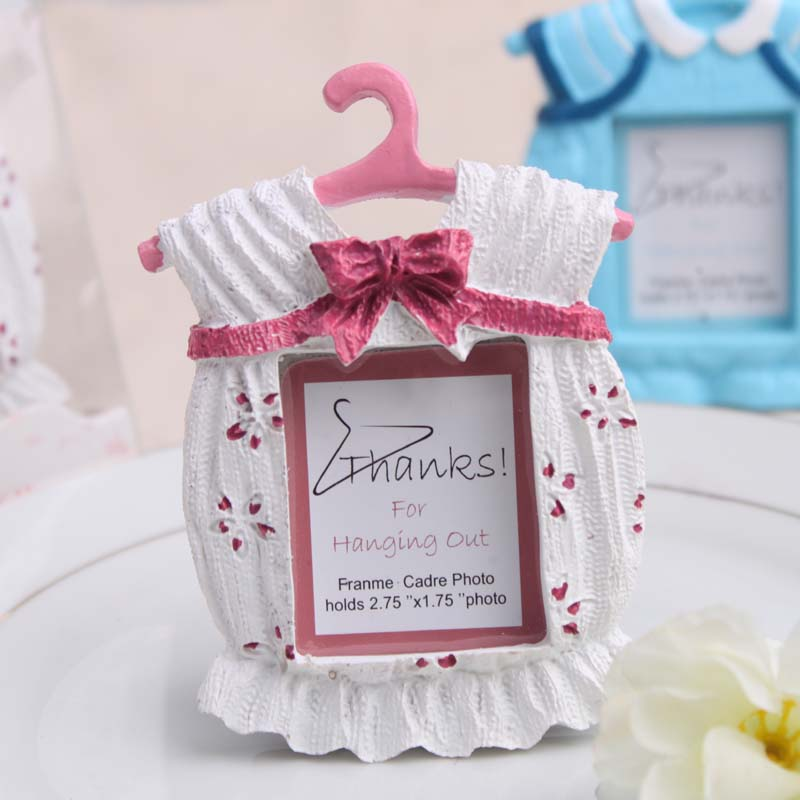 Cute Baby Boy Baby Girl Cloth Frame Shower Birthday Party Place Card ...