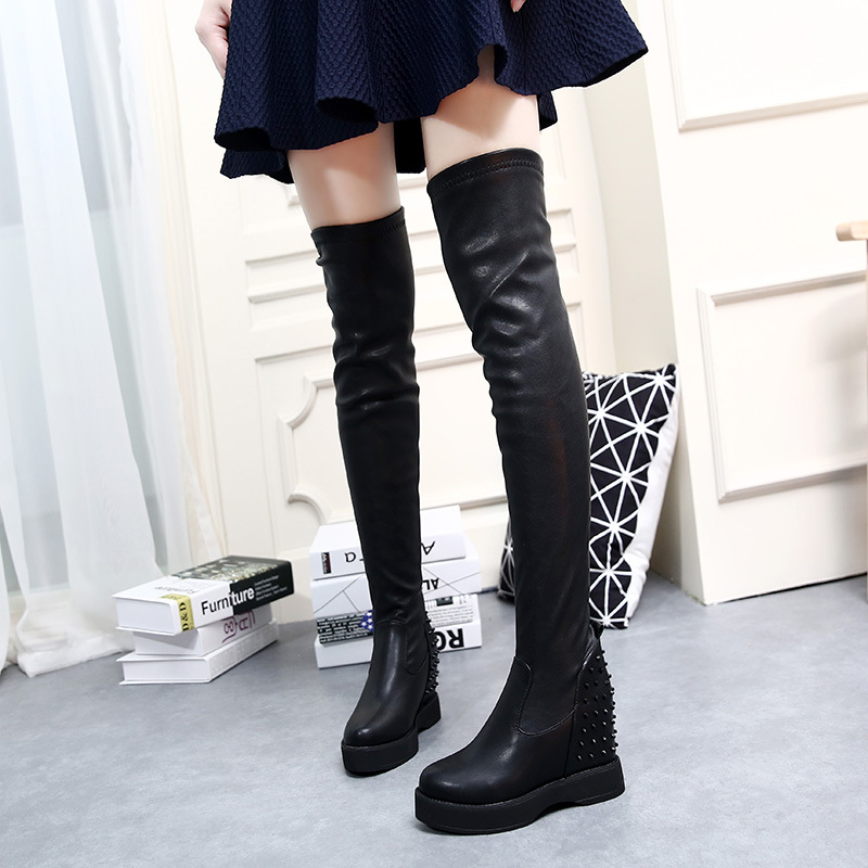 2017 autumn and winter new knee boots within the increase in rivets thick bottom high boots womens flat down cashmere casual<br>