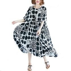 Летнее женское льняное свободное платье, батальные размеры, черное в горошек