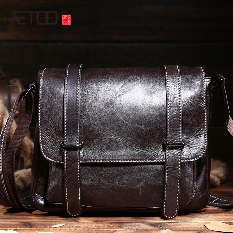 AETOO New leather men shoulder bag retro oil wax head layer of leather business diagonal package iPad bag<br>
