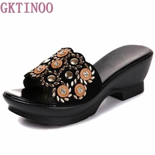 Rhinestone Women sandals comfortable geuine leather thick heels women's casual shoes summer sandals plush size 35-42(China)