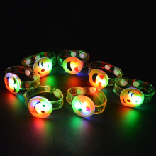 2017 LED Flashing Lighted Emoji Wristband Expressions Bracelet Kids Lighting Toys Gift Birthday Party Supplies Wedding Favors