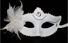 10pcs per lot white plastic feather Masquerade half face Mask with Diamond(China)