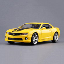MAISTO 1/24 Diecast Chevrolet Camaro SS RS 2010 BumbleBee YELLOW Color Model Car Collectible Model Toys for Children