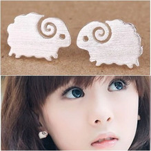 2016 hot sell 925 pure silver drawing small sheep stud earring earrings accessories elegant(China)