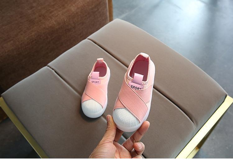 أحذية الأطفال مضيئة 8