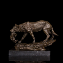 Arts Crafts Copper Bronze statue Hungry Wolf hunt with prey sculptures animals bronze sculpture home and hotel decoration