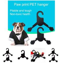 5 Pcs/Set Portable Pet Dog Cat Clothes Hanger Plastic Paw Shape Pets Acessories HG99(China)