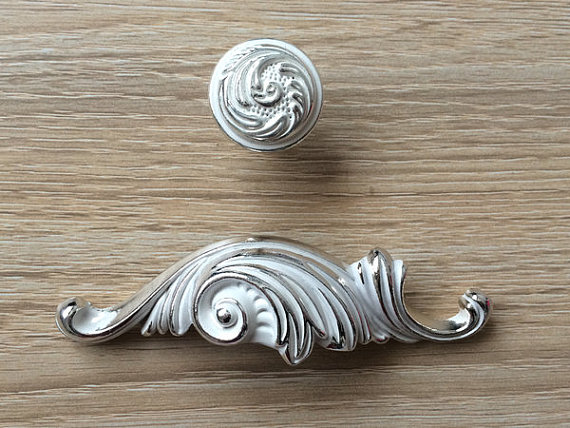 2.5 Bin Cup Dresser Pull Drawer Pulls Handles Rustic Silver White Shabby Chic Decorative Cabinet Door Handle Shell Hardware<br><br>Aliexpress
