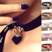 Fashion Sexy Punk Gothic Leather Choker Necklace Heart Studded Spike Rivet Buckle Collar Funky Torques Necklace Women Jewelry