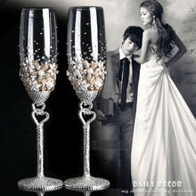 High quality Lead-free crystal glass rhinestone bride and groom champagne wine cup wedding goblet novia y el novio taza(China)