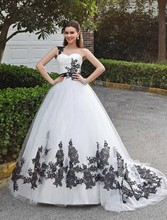 Gothic Black and White Ball Gown Wedding Dresses 2017 One Shoulder 50s Vintage Princess Colorful Bridal Gowns Robe De Mariee