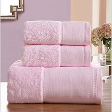 Cozzy Combed Cotton Hotel Towel Set for Bathroom 3-pieces Plush 1 Bath Towel 2 Hand / Face Towels 750g Wide Edge Light Pink
