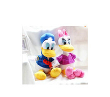 1pcs 30cm Cute Stuffed Dolls Donald Duck& Daisy Duck Soft Plush Toys Kids toys Low Price& High Quality Children Christmas Gifts