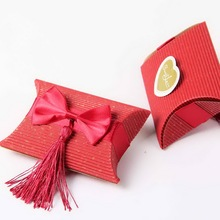Free Shipping new candy box Pillow Shaped Favor Box With Bow And Tassel beige and red 60pcs/lot(China)