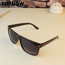 New Retro Rivet fashion sunglasses women men brand designer Square UV Glasses Unisex Brazil Hot Sale Sun Glasses oculos de sol