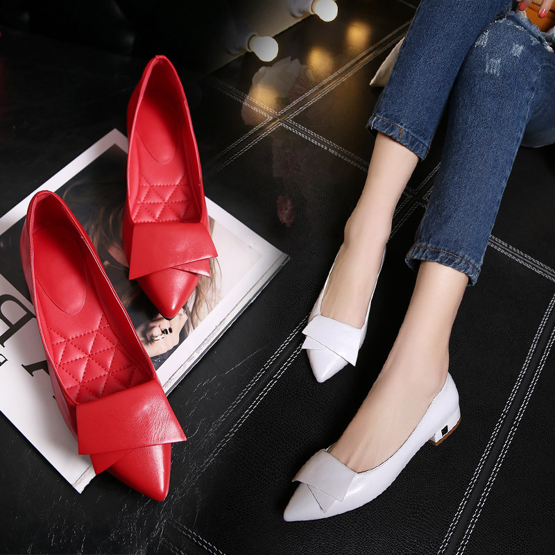 The new fashion leisure bow pointed leather shoes low heel shoes with flat thick with shallow mouth womens shoes<br>