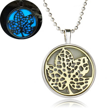 Lovely Maple Leaf Pattern Handmade Glow In The Dark Necklaces Women Jewelry Luminous Glowing Chain Necklaces Mother's Day Gifts