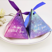 100 x Creative Blue / Purple Triangular Pyramid Starry Sky Galaxy Wedding Favors Candy Boxes Bridal Shower Party Gifts Box