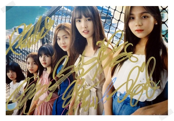 signed  GFRIEND autographed group photo RAINBOW  6 inches freeshipping 4 versions 102017<br>