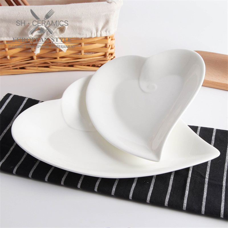 Cheap Ceramic Dish Tableware White Peach heart shape plate Snack salad flat plates sushi dishes high-quality Saucers and plates(China (Mainland))
