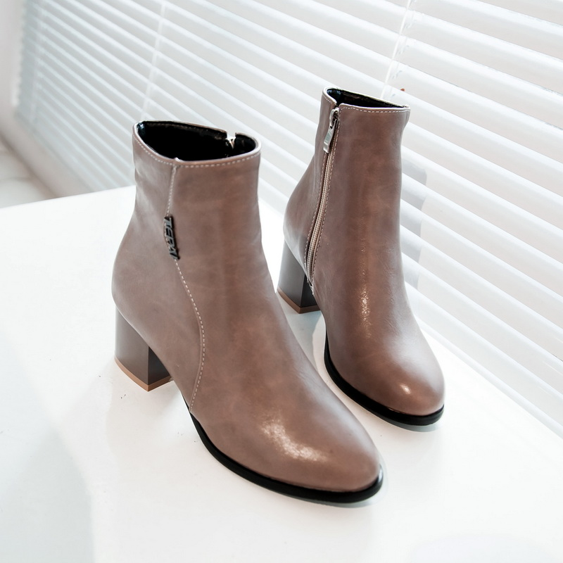 European leisure style comfortable round toe autumn ankle boots zipper metal black beige apricot med with womens riding boots<br>