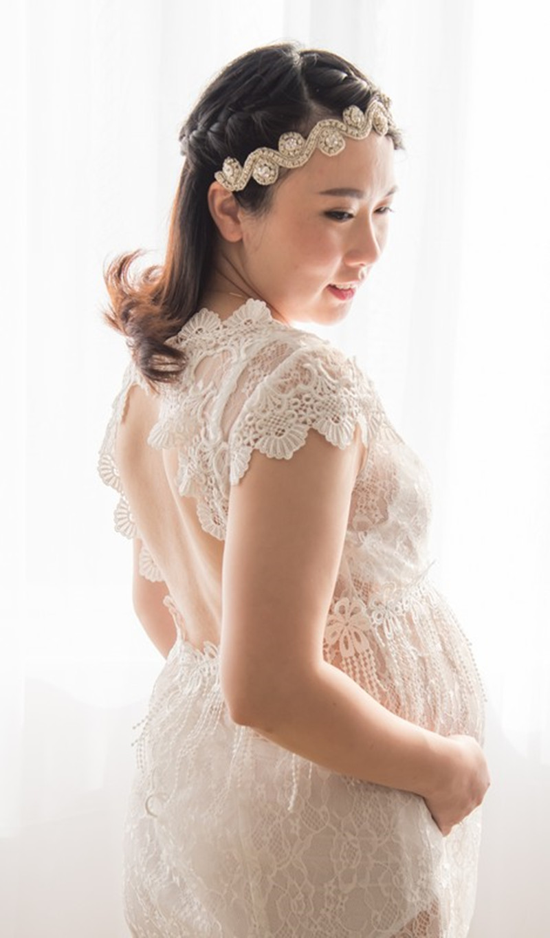 Le Couple New Maternity Photography Props Gown Gorgeous Lace Maxi Mama Gown Maternity Dresses V-neck Short Sleeve Lace<br>