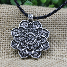 LANGHONG Tibet Spiritual Necklace Tibet Mandala pendant Necklace Geometry Amulet Religious jewelry(China)