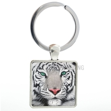Vintage wildlife Tiger Head Photo square pendant keychain men keyring fashion pop wild animal tiger key chain ring holder AA79