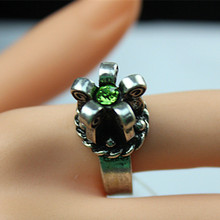 Strange new design Silver flower ring restoring ancient ways Green crystal Mosaic female fashion jewelry 2015 free shipping