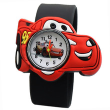 Children watch manufacturers selling Q version of the cartoon car Silicone Tape patted the table the students love to a child