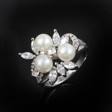2016 Gold Color filled women 3 round pearl wedding ring with AAA zircon charm design finger ring for lady gift party(China)