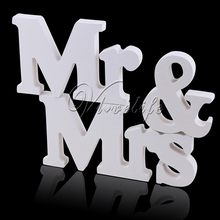 1 Set Solid Capital MR & MRS Wooden Letters for Wedding Banquet Decoration Sign Top Table Present Decor Three-dimensional White